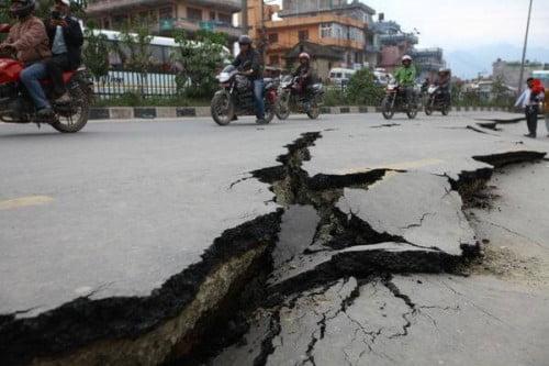 đường nứt do động đất